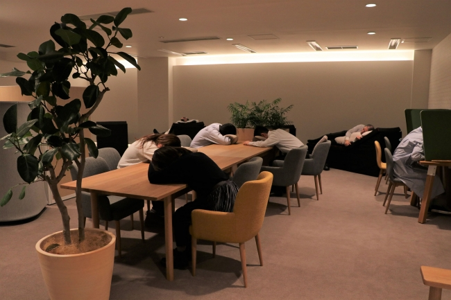 眠りの研究から生まれた、働く人のパフォーマンスを高める西川の「ちょっと寝ルーム」
